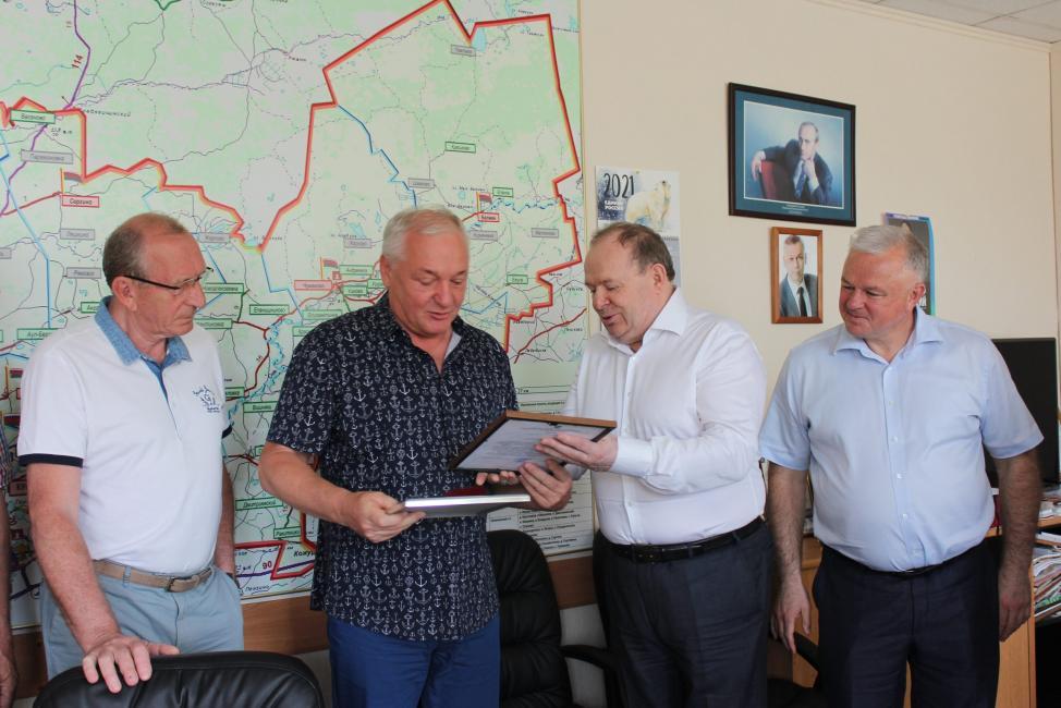 Сергею Докучаеву вручен знак «Почетный гражданин города Куйбышева»