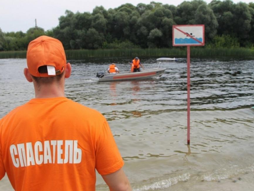 На берегах Омки и на Старице будут дежурить матросы-спасатели